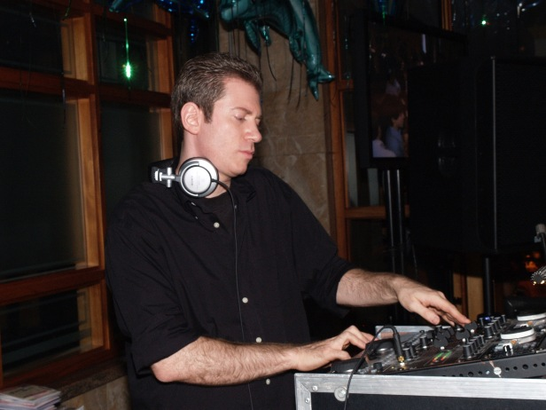 New York DJ, Wedding DJ, Bar Mitzvah DJ, Bat Mitzvah DJ, New York Party Planner Jerry Laskin